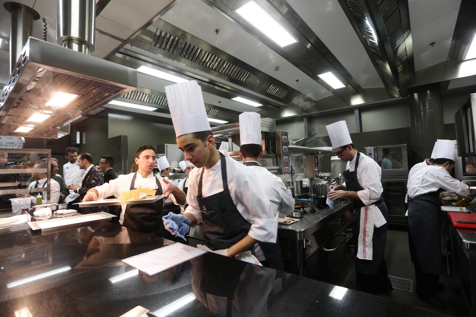 attrezzature-professionali-per-la-ristorazione-e-lora-delle-pulizie