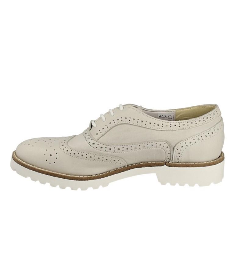 scarpe-inglesine-con-tacco-tendenze-per-il-2016
