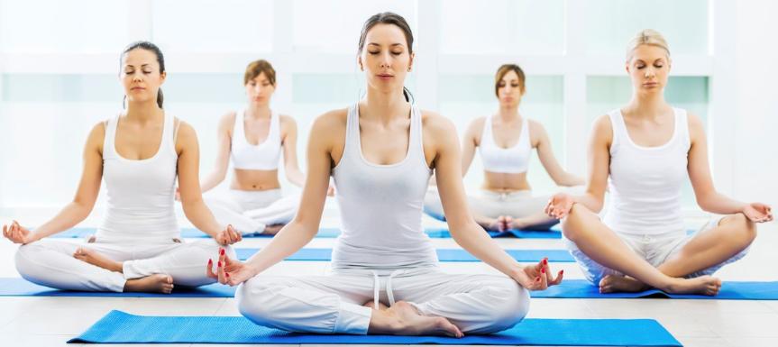 video-esercizi-di-yoga-per-tutti-i-gusti-su-yogare